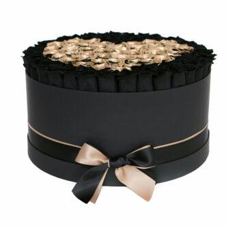 Черные и золотые розы в шляпной коробке