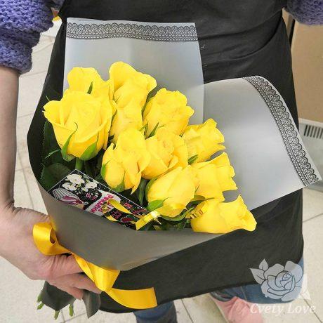 Букет из 11 желтых роз