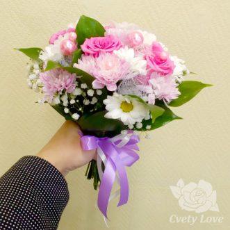 Букет невесты из кустовых хризантем и роз